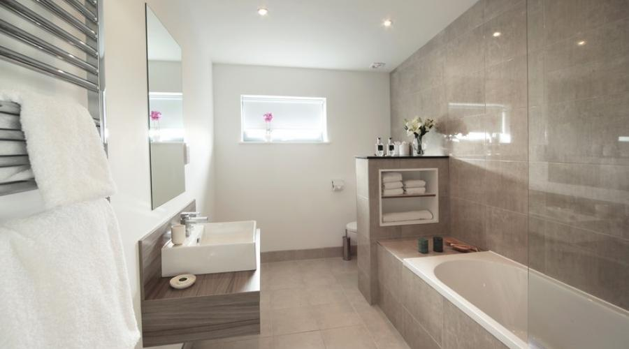 John O'Groats Lodge - Main bathroom